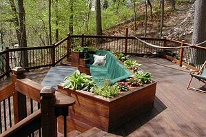 ipe_built-in_furniture_bench_and_ipe_planters