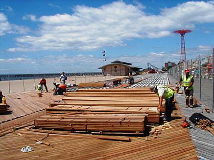 cumaru_decking_and_ipe_decking_at_coney_island_new_york__boardwalk_2