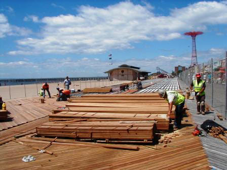 cumaru_decking_and_ipe_decking_at_coney_island_new_york__boardwalk_2