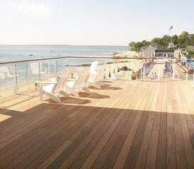 Ipe_rooftop_deck_at_beach_club