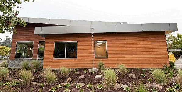 Climate-Shield_rain_screen_with_Garapa_hardwood_cladding.jpg