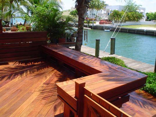 Cumaru_deck_and_benches_in_Florida