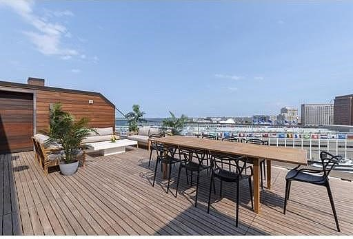 Ipe decking and rainscreen on penthouse at Pier 4 Advisors Living