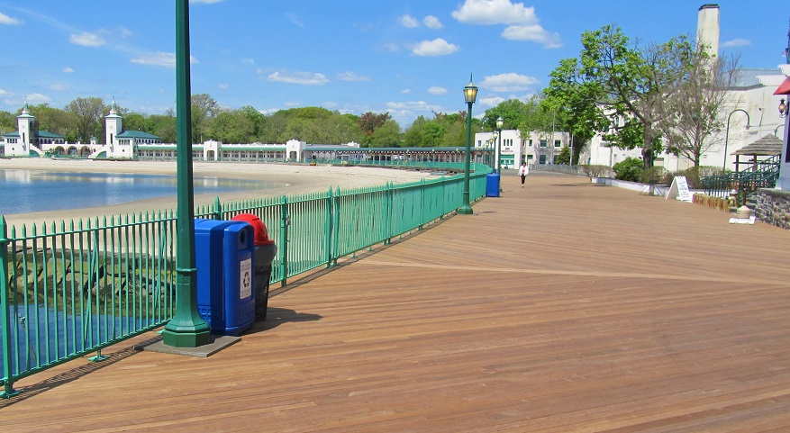 Ipe decking on boardwalk in New York