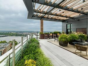 Ipe hardwood rooftop deck
