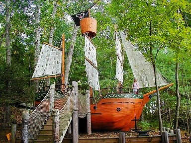 Mataverde_ipe_pirate_ship-250679-edited.jpg