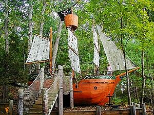 Mataverde_ipe_pirate_ship-250679-edited