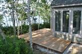 garapa_lakefront_deck_in_Maine