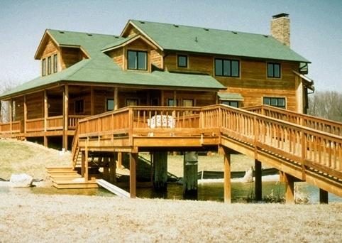 hardwood_deck_ramp_and_railings_waterfront