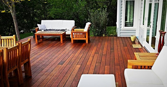 Machiche deck with seating and dining area