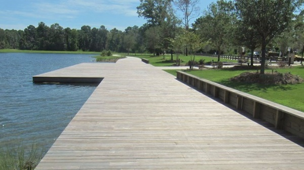 Ipe boardwalk at Bolden Park closeup