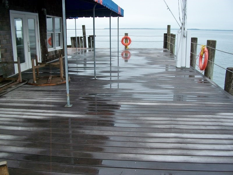 Ipe decking at yacht club in New York.jpg