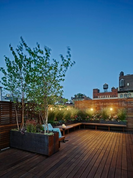 Ipe_rooftop_deck_in_New_York_-_copyrighted.jpg