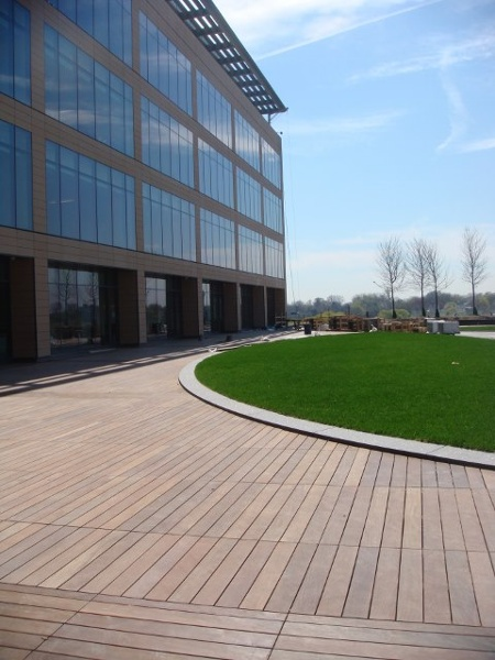 Ipe deck on commercial rooftop