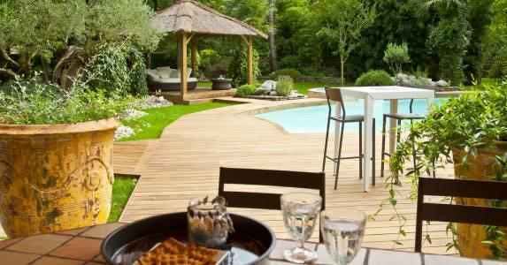 Kebony Decking Poolside in France.jpg