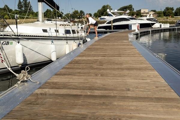 kebony decking port of rochester (640x426).jpg