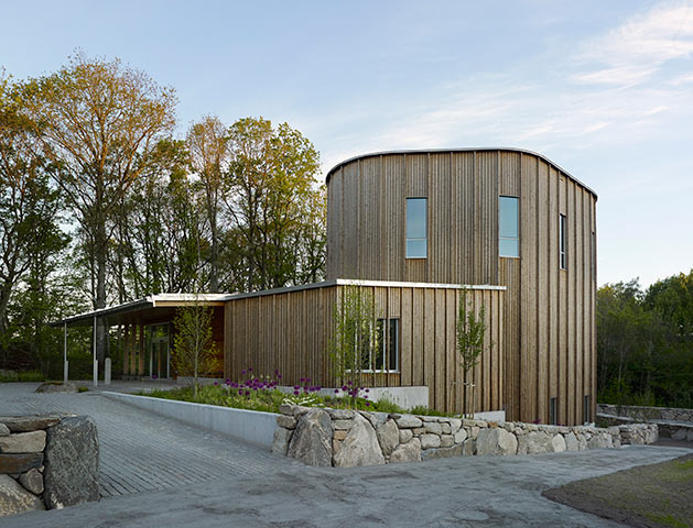 kebony vertical siding Livereds Chapel Sweden Malmstrom Edstrom Architect closeup.jpg