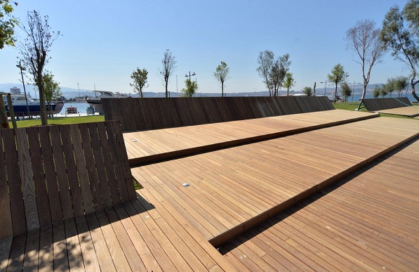 Mataverde thermowood multi-level deck