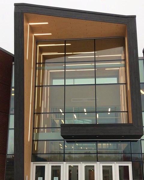 Trespa Pura cladding makes a statement at Sanford High School
