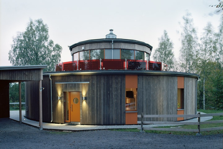 Villa Circuitus kebony siding photo by Lars-Ake Rapp.jpg